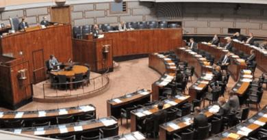 ALLAH, KARARLAR MECLİSTE ALINSIN İSTİYOR / God Wants Decisions To Be Taken In The Assembly.